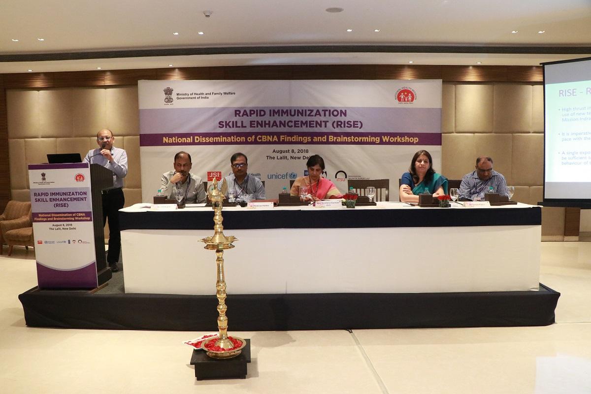 Dr. M.K. Agarwal, JC, UIP taking a session