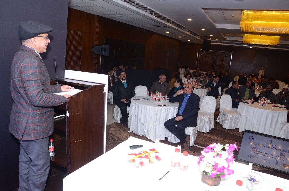 Dr. R. K. Daroch, JD Health Services, HP interacting with participants