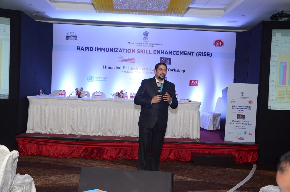 Dr. Hiten Banyal, SEPIO, HP interacting with the audience